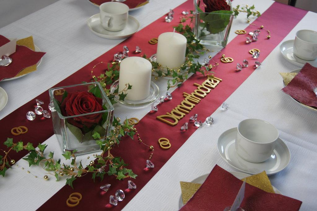 Tischdekoration diamantene hochzeit die tischdekoration - Tischdekoration hochzeit mustertische ...