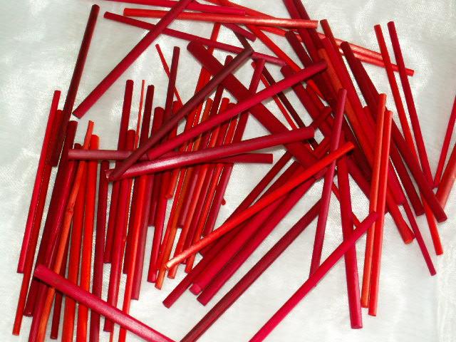 holzst be bordeaux rot die tischdekoration zu allen. Black Bedroom Furniture Sets. Home Design Ideas