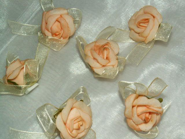 Hochzeitsrosen mit Organza apricot 12 St. - Die Tischdekoration zu ...