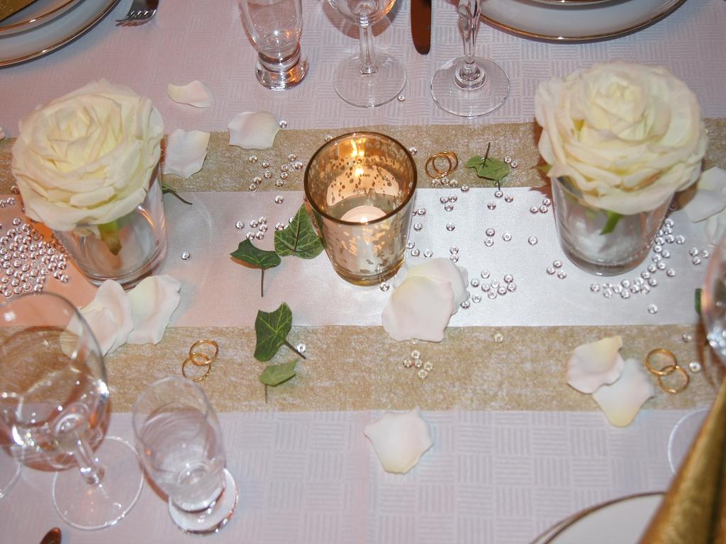 Tischdeko Hochzeit Creme Pictures to pin on Pinterest
