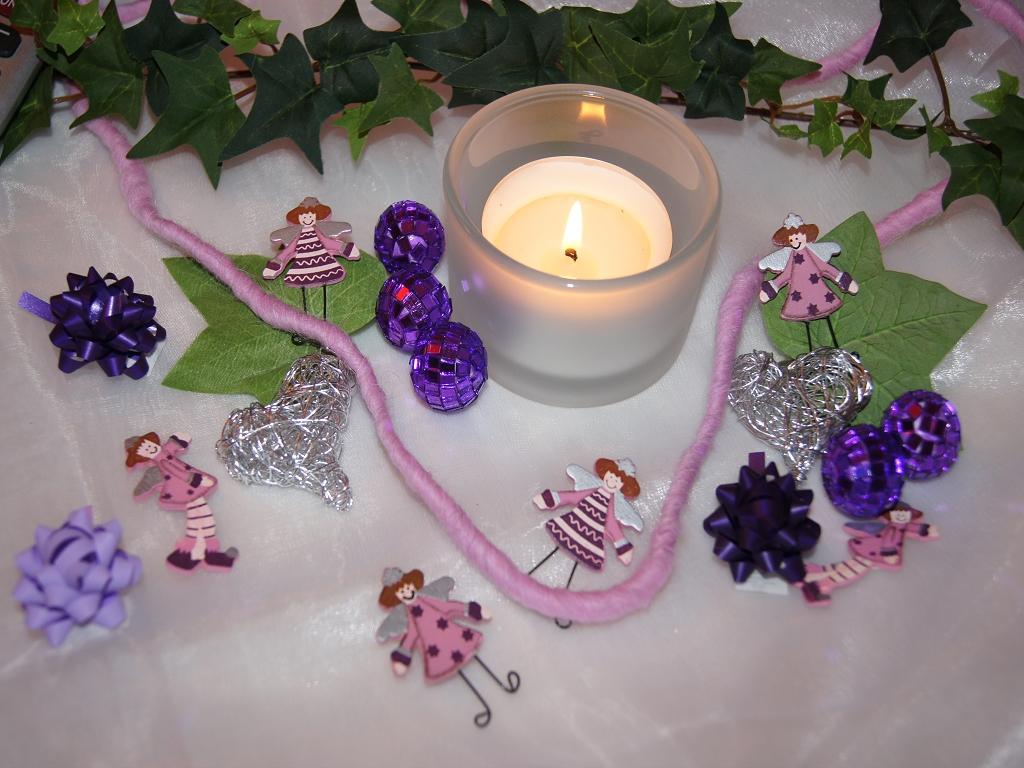 Taufe engel rosa aubergine 12st die tischdekoration - Tischdeko aubergine ...