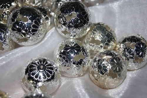 Metallkugel silber tischdeko shop - Tischdeko silber ...