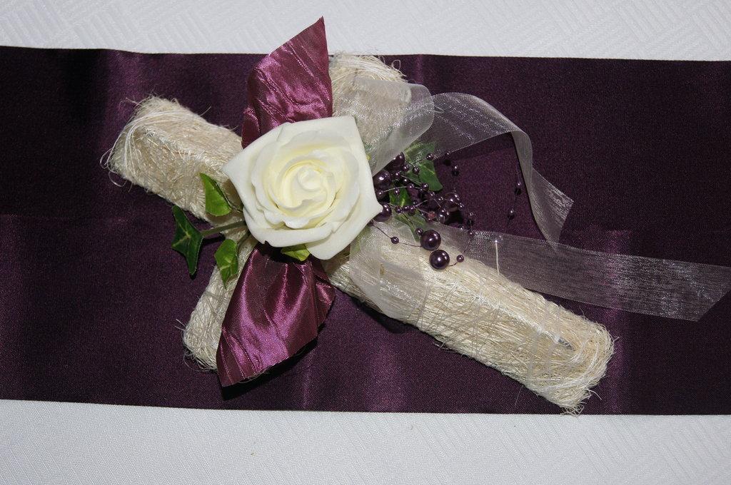 Kreuz aubergine gr n tischdeko kommunion for Tischdeko aubergine