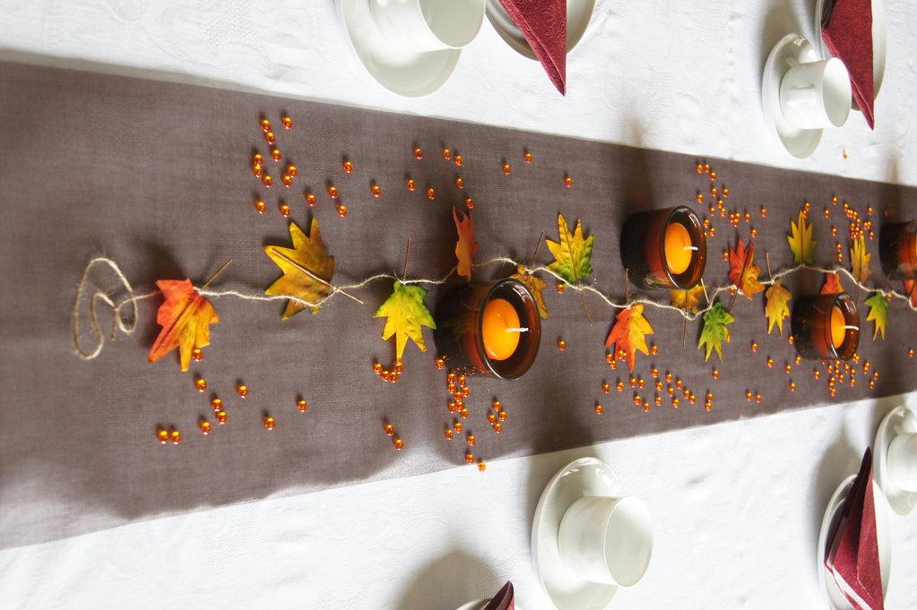 Tischdeko Herbst in braun - Tischdekoration im Herbst