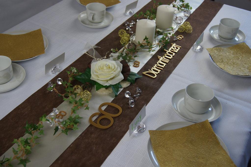 Tischdekoration diamantene hochzeit die tischdekoration for Tischdekoration festlich