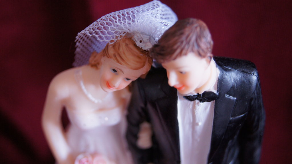 Brautpaar hochzeitspaar tischdeko hochzeit - Brautpaar tischdeko ...
