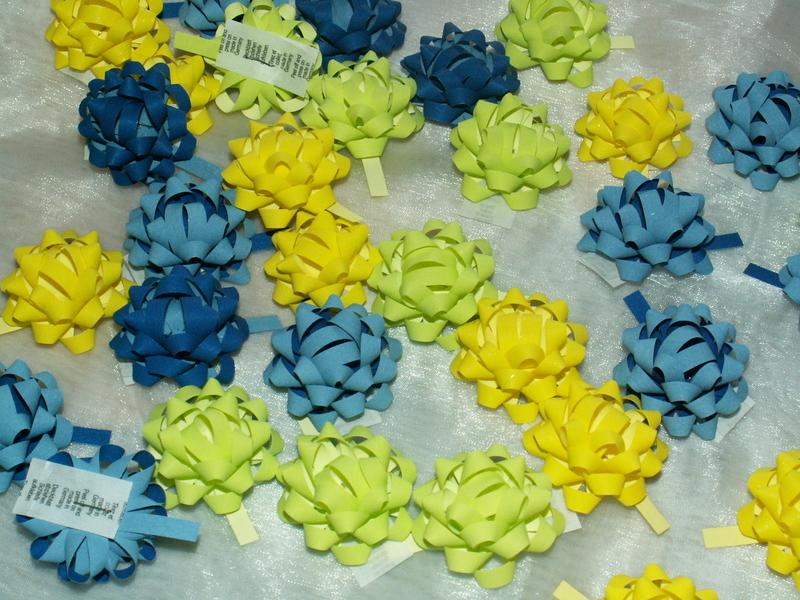 Mini Schleifen Blau Grun Gelb Die Tischdekoration