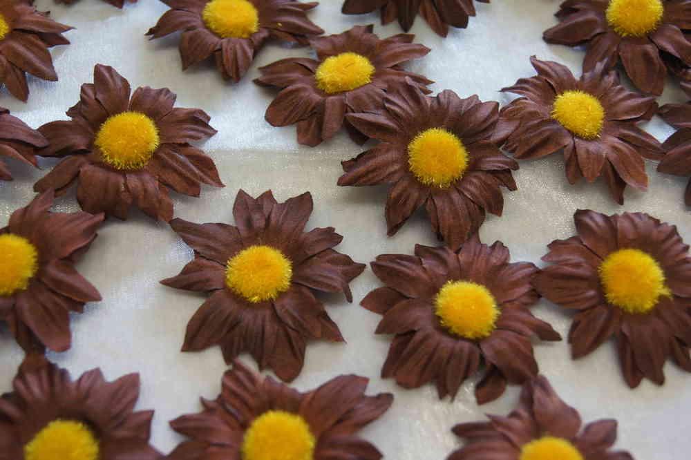 Sonnenblumen Bluten Tischdeko Streublumen Tischdeko Orange Braun