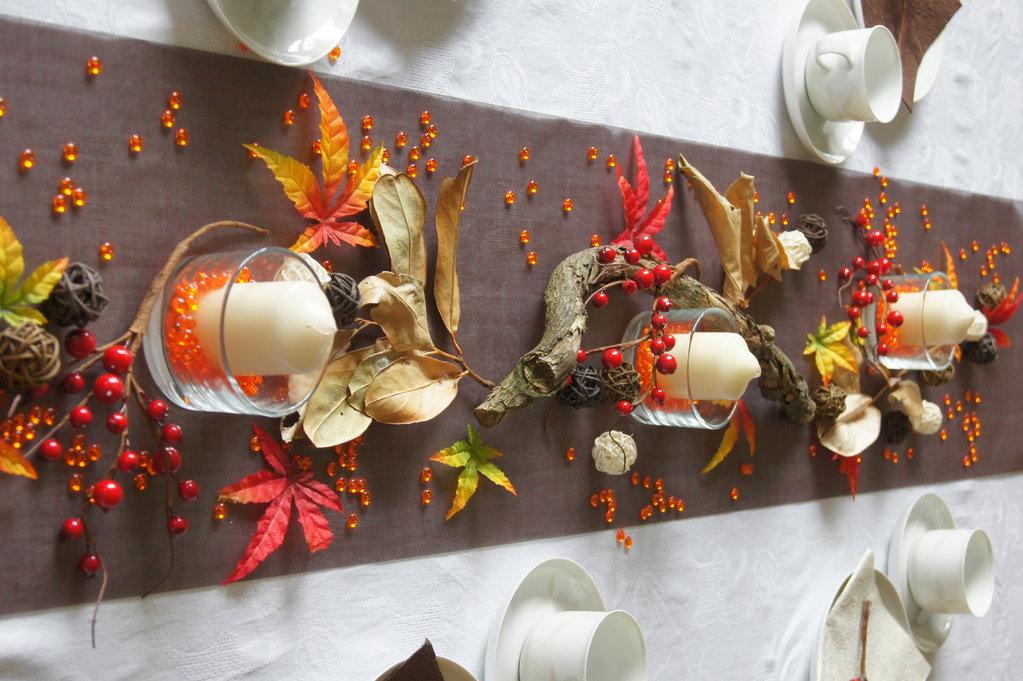 Tischdeko Herbst In Braun Rot Tischdekoration Im Herbst