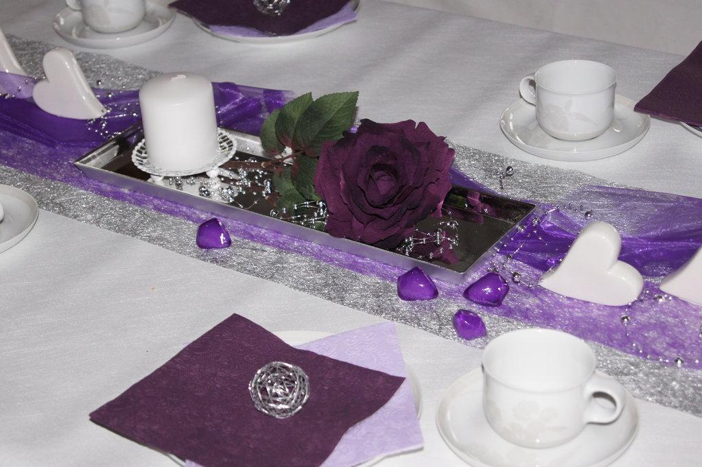 Rose velvet aubergine die tischdekoration - Tischdeko aubergine ...